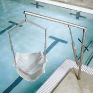 Swimming Pool Lift Features 360 Degree Swivel