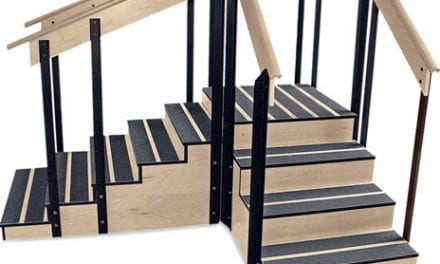 Staircase Converts from Straight to Corner Arrangement