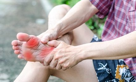 Foot Pain? Docs Should Ask About Hip or Knee Pain, Too