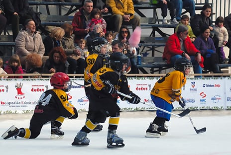 Youth Hockey Players' Brains Show Concussion Effects Even After Returning to Play